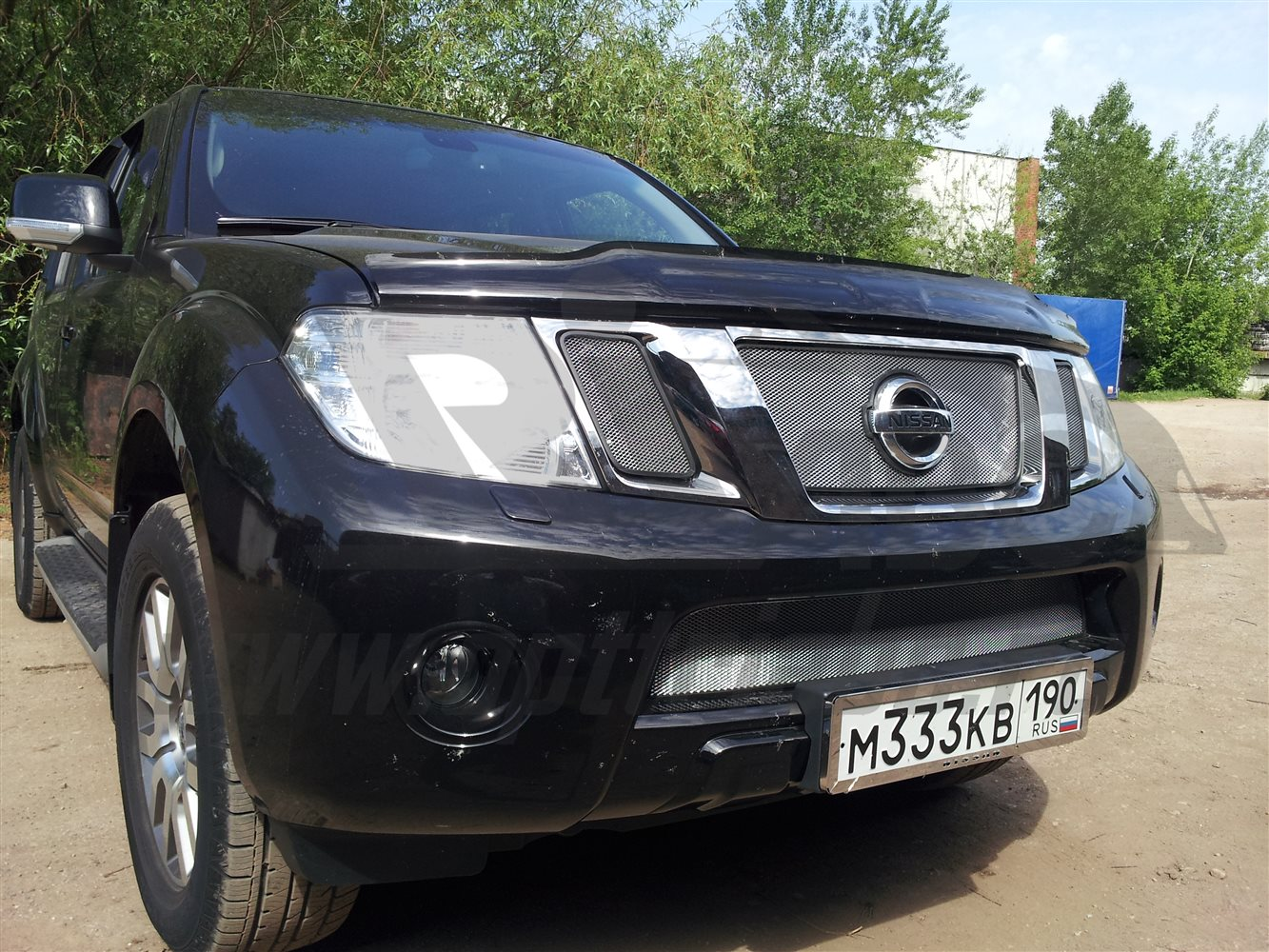 'Защита радиатора Nissan Pathfinder 2010-2014 (Chrome)'