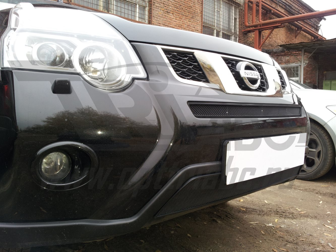 'Защита радиатора Nissan X-Trail 2011-2014 (Black)'